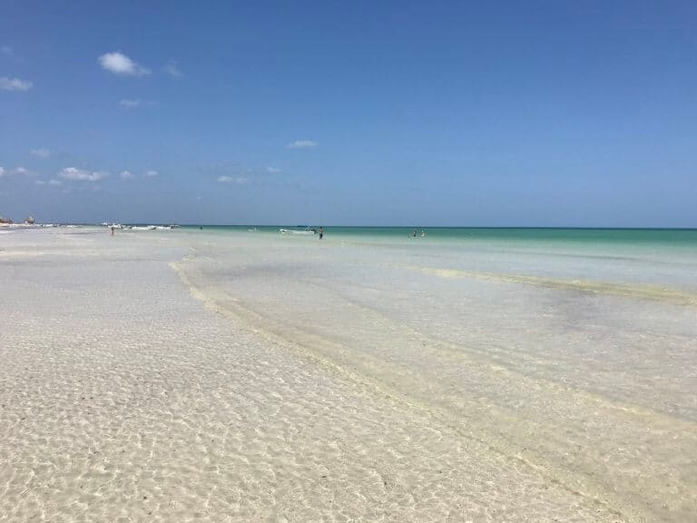 holbox crystal clear water