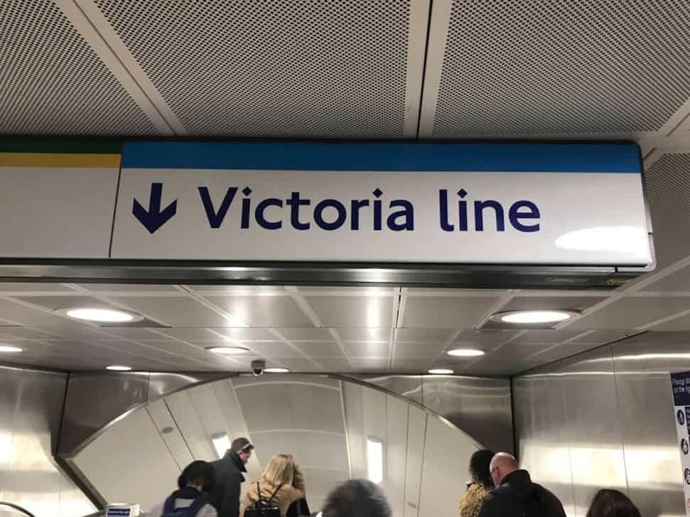 Victoria Line direction sign