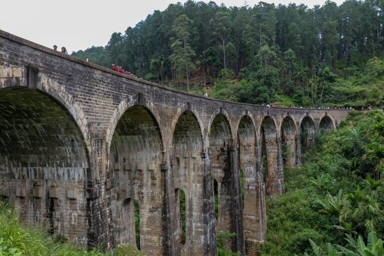 How to Find the Nine Arch Bridge Ella Without Using a Tuk-Tuk