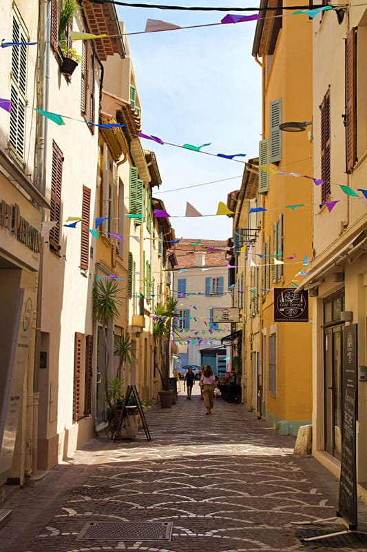 Antibes-old-streets