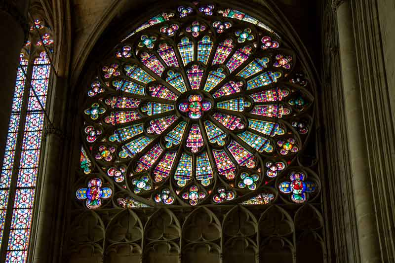 Carcassonne-stained-glass