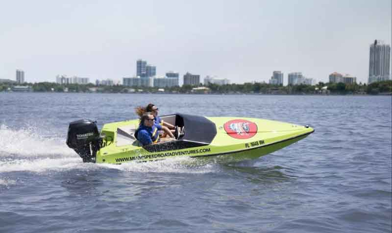 Get-your-guide-speed-boat